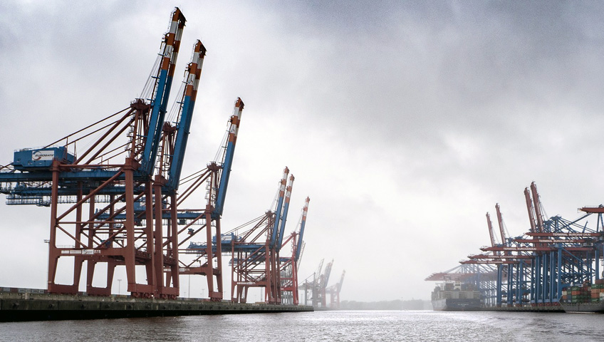 Hamburg harbor, container ships, services, ocean freight, Delta-Stallion Internationale Transport GmbH